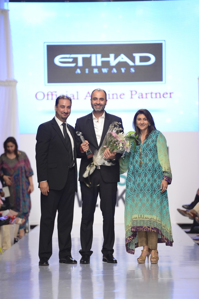 Deepak Perwani Awarded at FPW 4