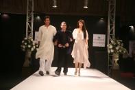 Wasim Akram & Ayyan with CEO Ittehad Textile Nazim Sheikh