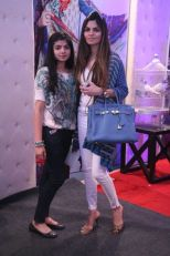 Shehla Chatoor & her daughter