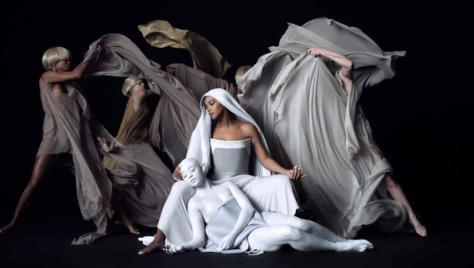04-Artistic Beyonce