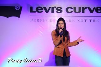 Ayesha Omer_Levi's Curve ID Show